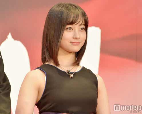 橋本環奈「第30回東京国際映画祭」開幕飾る 素肌あらわなブラックドレスで可憐に登場