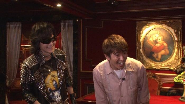"""X JAPAN・Toshl""""5LDK超え""""隠れ家を初公開 関ジャニ∞村上信五が潜入(C)TBS"""