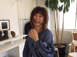"""「ViVi」卒業の宮城舞、""""新天地""""でガラリイメチェン<メイキング&コメント到着>"""