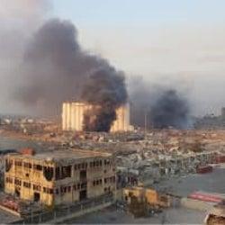 ベイルートの港湾で大規模爆発 78人以上死亡