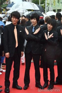 (左から)浅香航大、志尊淳、小越勇輝(C)モデルプレス