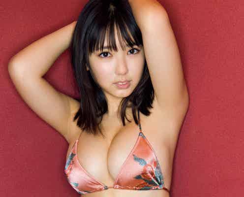 沢口愛華、美バストのぞくビキニで悩殺