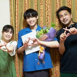 SixTONES松村北斗&森七菜「ライアー×ライアー」笑顔でクランクアップ メイキング・オフショット公開