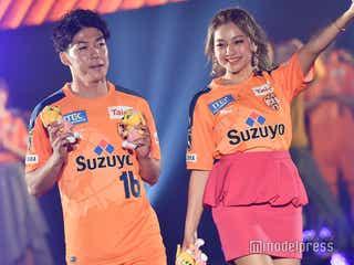 ゆきぽよ、イケメンサッカー選手と2ショットランウェイ<TGCしずおか2020>