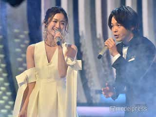 中村倫也、田中圭とアイコンタクトも 木下晴香と「ホール・ニュー・ワールド」歌唱<紅白本番>