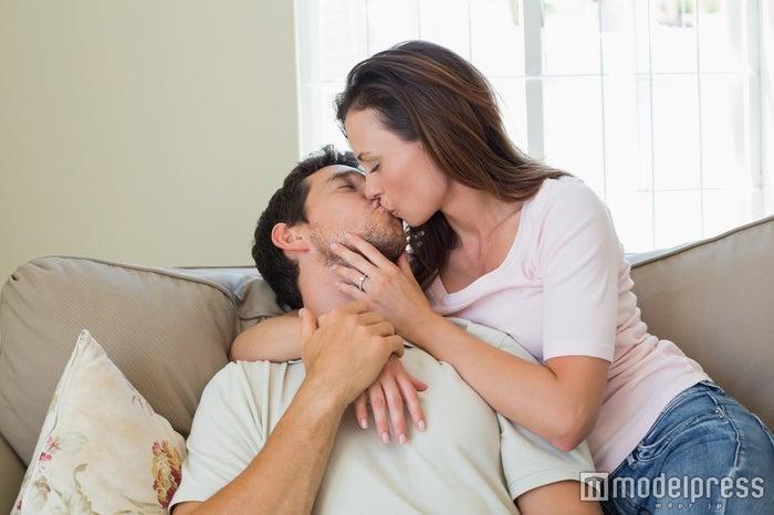 男性が密かに「したい」と思っている彼女とのイチャイチャ6選(Photo by lightwavemedia)