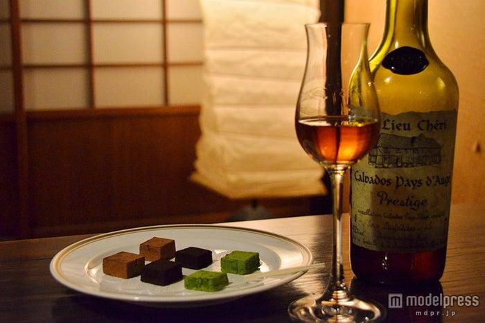チョコと洋酒で甘い大人デートが楽しめる「茶房&BARゴーシュ」(C)モデルプレス