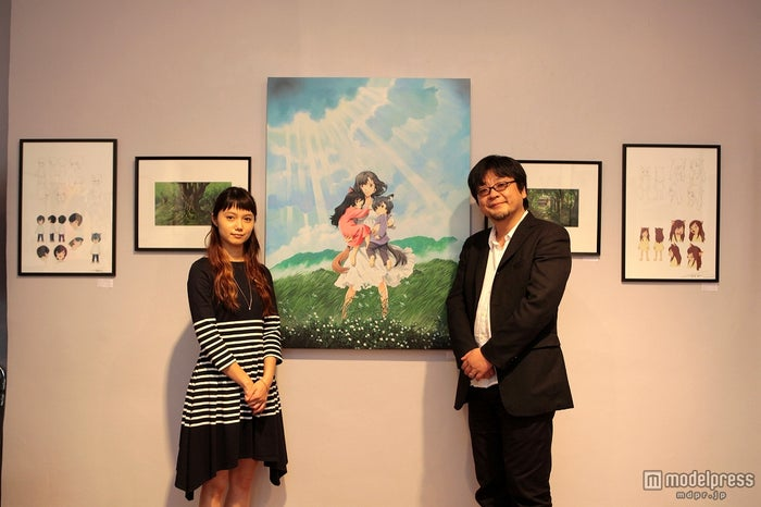 宮崎あおい(左)と細田守監督(右)