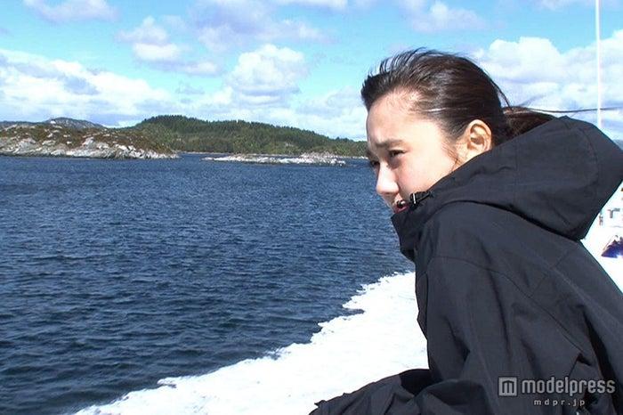 鈴木友菜、過酷過ぎる絶景探しの旅に奔走/画像提供:テレビ東京【モデルプレス】