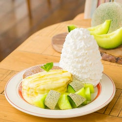 エッグスンシングス「アンデスメロンとはちみつのパンケーキ」旬の贅沢果実たっぷり