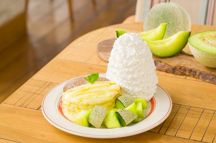 アンデスメロンとはちみつのパンケーキ/画像提供:Eggs'n Things Japan
