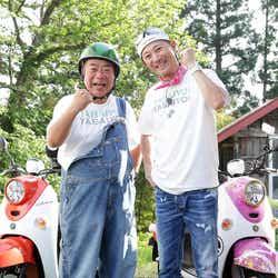 (左から)出川哲朗、中居正広(C)テレビ東京