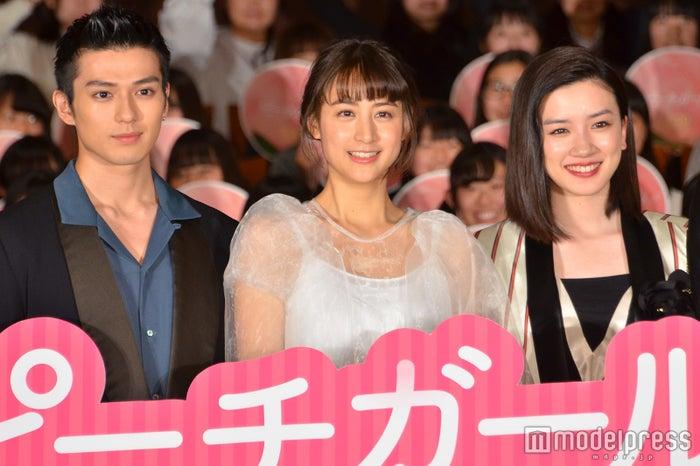 映画「ピーチガール」に出演する真剣佑、山本美月、永野芽郁 (C)モデルプレス