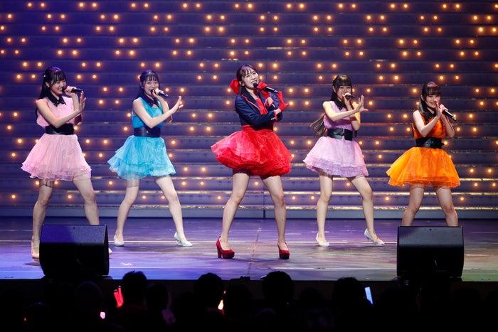 (中央)坂口理子/HKT48 8周年前夜祭コンサートの様子(C)AKS