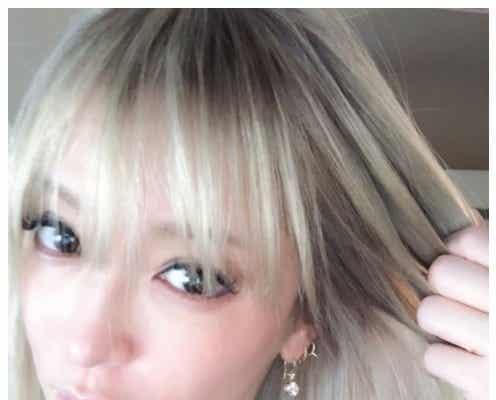 """浜崎あゆみ、ピンク髪から""""絶妙""""グラデヘアに「何でも似合ってしまう」とファン絶賛"""