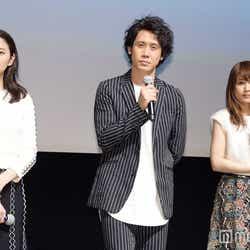 (左から)長澤まさみ、大泉洋、有村架純(C)モデルプレス