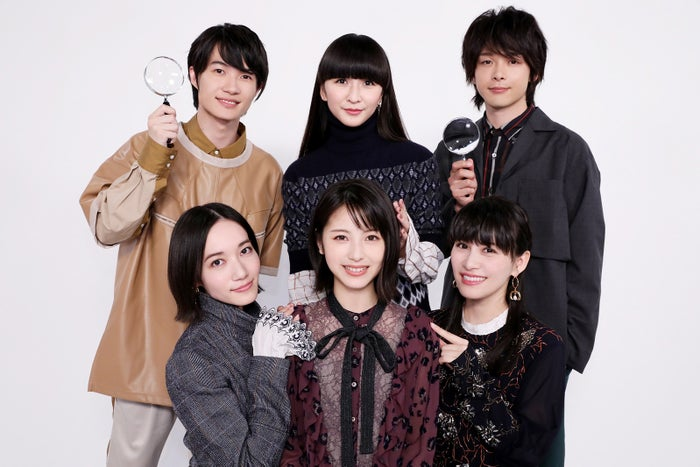 (後列左から)神木隆之介、かしゆか、中村倫也(前列左から)のっち、浜辺美波、あ~ちゃん(C)2019「屍人荘の殺人」製作委員会