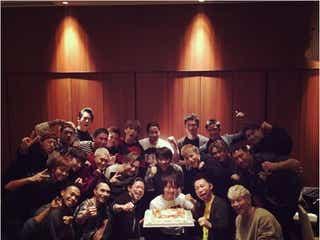 「その中に入りたい!」EXILE TAKAHIRO誕生日会に、EXILE、三代目JSB、GENERATIONSらが顔を揃えた写真公開