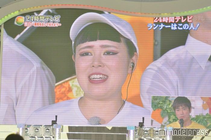 ブルゾンちえみ/日本武道館モニター(C)モデルプレス