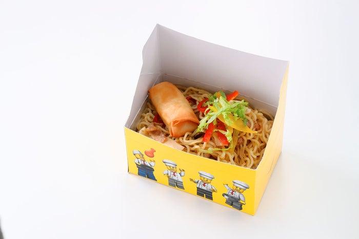 焼きそば500円/画像提供:LEGOLAND JAPAN