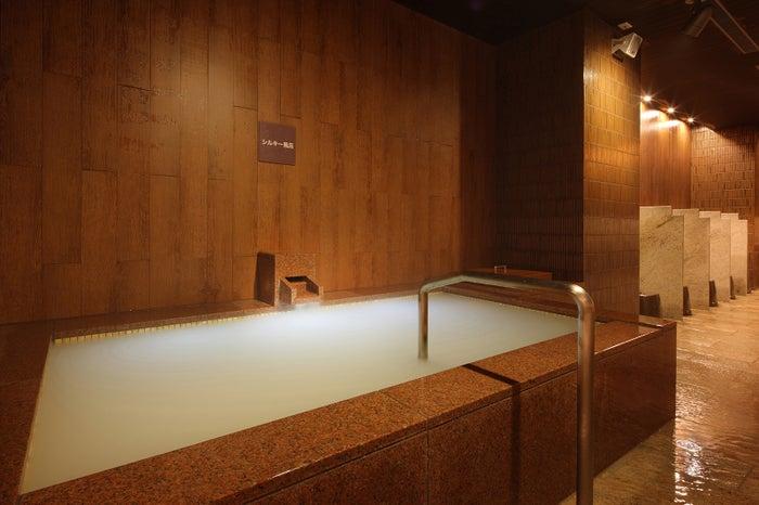 やわらかな肌触りのシルキー風呂/画像提供:あさやホテル