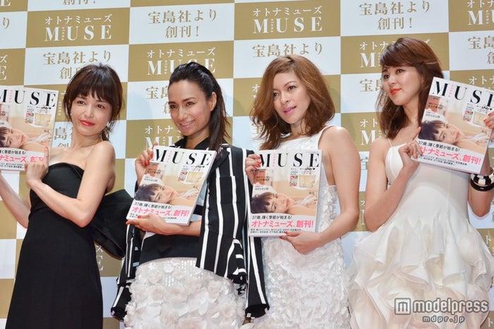 (左から)梨花、佐田真由美、岩堀せり、SHIHO