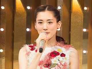 """綾瀬はるか、Perfumeのメンバーに?ミッキーらと""""一夜限り""""の豪華コラボ<紅白本番>"""