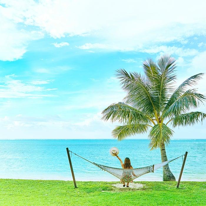 すぐそばのビーチでエメラルドブルーの海を独り占め(C)マリアナ政府観光局/MVA