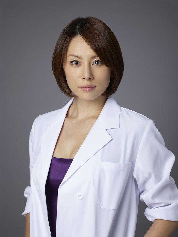 『ドクターX~外科医・大門未知子~』で主演をつとめる米倉涼子(C)テレビ朝日