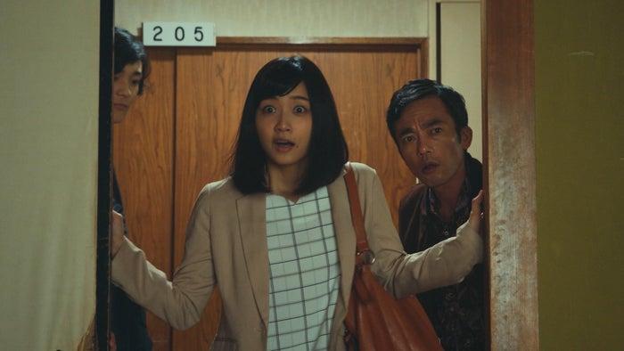 深川麻衣、高橋和也/「日本ボロ宿紀行」第2話より(C)テレビ東京