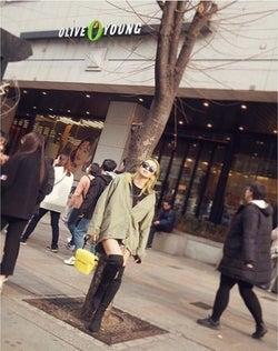 倖田來未、ショーパン&美脚ニーハイ姿の写真公開し絶賛の声「スタイル良すぎ」「めっちゃ足細い!」