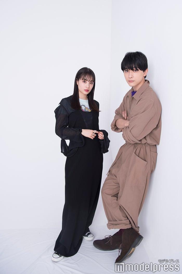 (左から)広瀬すず、吉沢亮 (C)モデルプレス