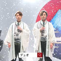 """モデルプレス - KinKi Kids、演歌を熱唱 King & Prince岸優太が""""黒衣""""で支える"""