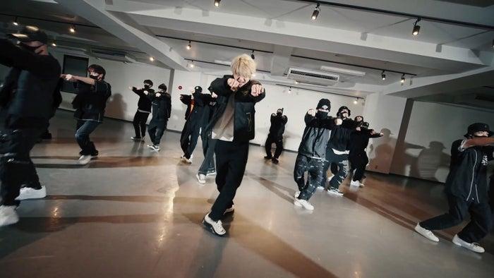 "Nissy「Get You Back」DANCE VIDEO ""Studio"" ver.より(提供画像)"