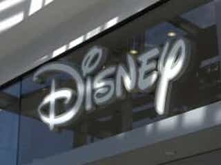 米ディズニー60店舗閉鎖へ ネット増加にコロナ追い打ち
