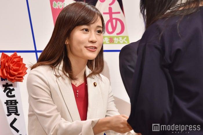 ファンと交流する前田敦子 (C)モデルプレス
