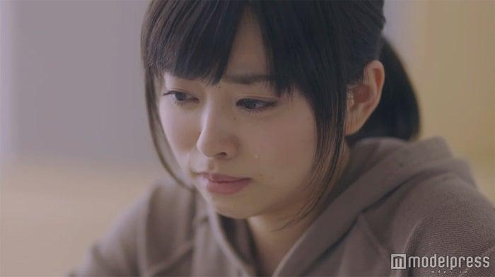 元乃木坂46伊藤寧々、本格始動作で迫真の涙 切ないラブストーリーで主演/場面カットより