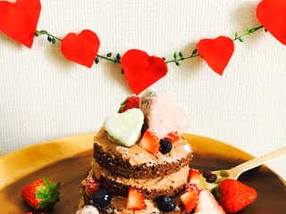 お家バレンタインならお手軽「ネイキッドケーキ」がぴったり!【トレンドレシピ】