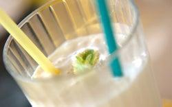 暑い日に飲みたい! 爽やかな甘酸っぱさ「パイナップルシェイク」