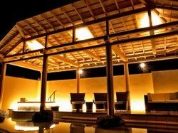 温泉サロン ロイヤルスパ 悠久の森 テラスデッキ/画像提供:カラカミ観光