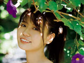 白肌×モッツァレラボディの井口綾子、たわわ美乳のぞくビキニ姿披露