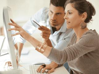 職場でモテる女性の特徴4つ