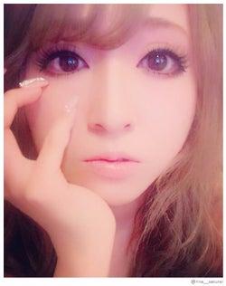 モデルプレス - 浜崎あゆみにそっくり「姉ageha」モデルの裸眼メイクが話題に