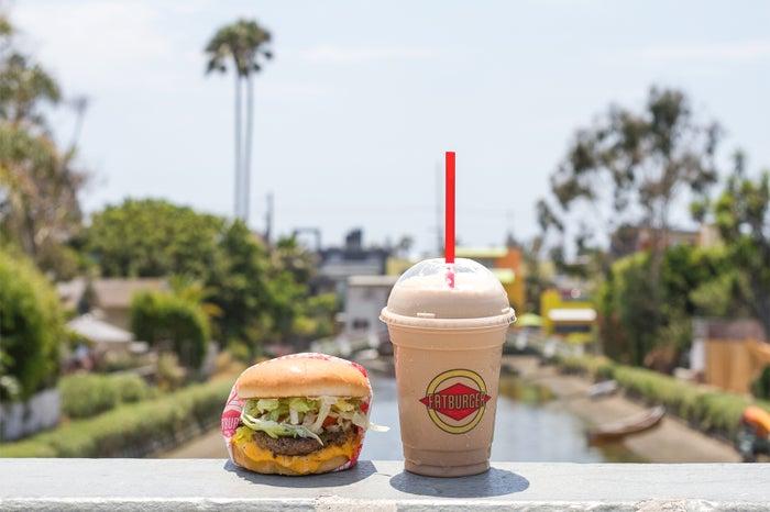 LA発ハンバーガー店「ファットバーガー」渋谷に日本初上陸/画像提供:SHIBUYA109 エンタテイメント