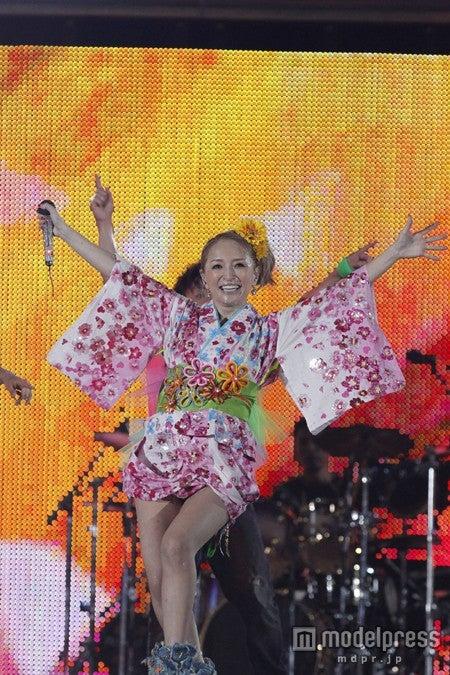 浜崎あゆみ、5万5千人と「Boys & Girls」熱唱 「a,nation」で大トリ<セットリスト> , モデルプレス