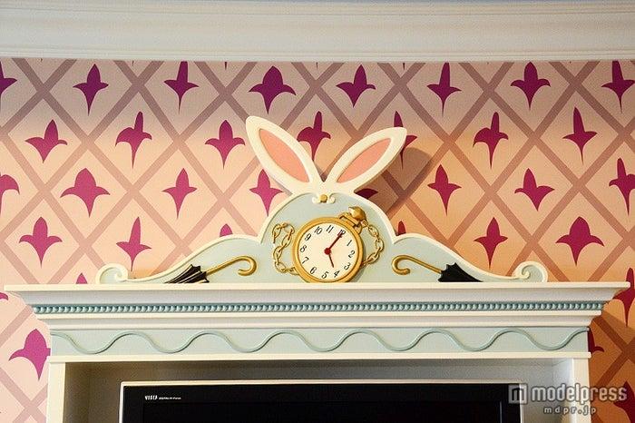 白ウサギをイメージしたテレビ台
