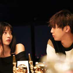 八木アリサ、片寄涼太(C)2019映画『午前0時、キスしに来てよ』製作委員会