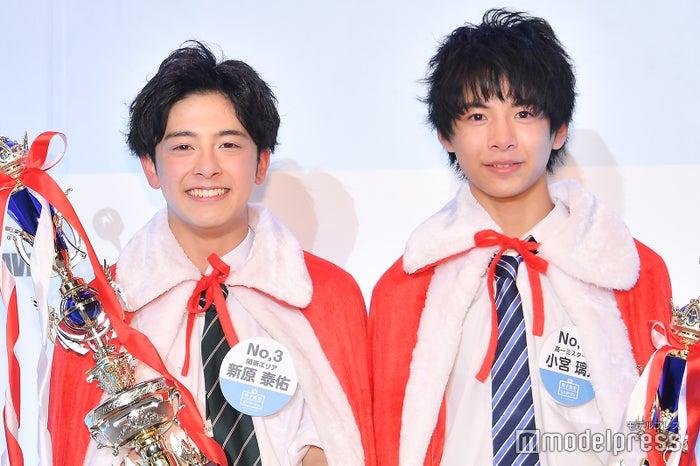 2018年グランプリの新原泰佑(左)、準グランプリの小宮璃央(右)(C)モデルプレス