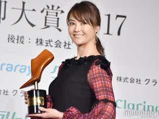 観月ありさ、2度目の美脚大賞 10年前と「全然お変わりない!」土屋太鳳が美貌絶賛