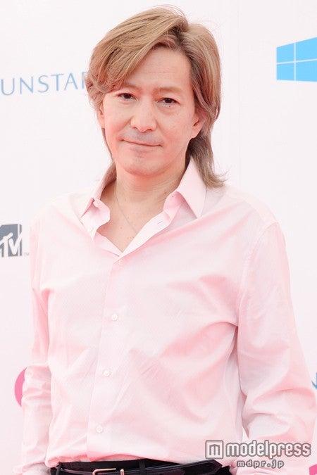 「MTV VIDEO MUSIC AWARDS JAPAN 2014」のレッドカーペットに登場した小室哲哉